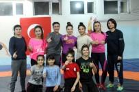 MİLLİ GÜREŞÇİ - Siirtli Kadınların Güreşe İlgisi Artıyor