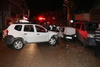 ABDİ İPEKÇİ - Adana'da Cip Ve Otomobil Çarpıştı Açıklaması 3 Yaralı