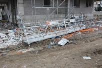 GÖLLER - Dış Cephe Platformu 15. Kattan Yere Çakıldı Açıklaması 1 Ölü, 1 Yaralı