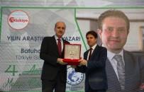 Zehra Zümrüt Selçuk - İhlas Medya Ankara Temsilcisi Batuhan Yaşar'a 'Yılın Araştırmacı-Yazarı' Ödülü