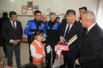 TOPLUM DESTEKLI POLISLIK - Konya'dan Hakkarili Öğrencilere Kışlık Malzeme Desteği