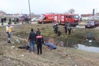 OSMANGAZİ ÜNİVERSİTESİ - Otomobiliyle Kanala Uçan Sürücü Hayatını Kaybetti