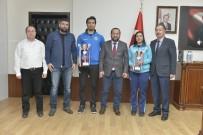 Rektör Akgül, Üniversiteye Kupa İle Dönen Takımları Tebrik Etti