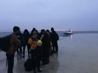 KAÇAK GÖÇMEN - Fırtınada Lastik Botları Sürüklenen Kaçak Göçmenler Kurtarıldı