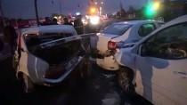 MEHMET KıLıÇ - Gaziantep'te Zincirleme Trafik Kazası Açıklaması 5 Yaralı