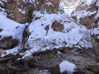 KESKİN NİŞANCI - Karla Kaplı Arazide PKK'ya Ağır Darbe