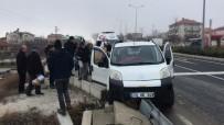 Kazada Şoka Giren Hamile Kadın İçin Ambulans Çağırmadan Geldi