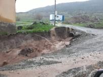 Kilis'te Sağanak Yağmur Sele Dönüştü