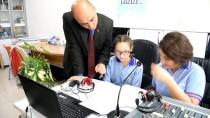 BARIŞ MANÇO - Okulda Kurulan Radyo Öğrencilere Özgüven Kazandıracak