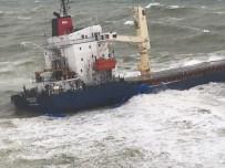 Şile'da Kargo Gemisi Karaya Oturdu