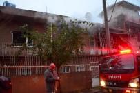 Yangında Evinde Mahsur Kalan Yaşlı Kadını İtfaiye Kurtardı