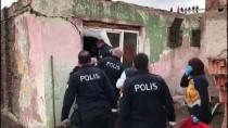 Yaşlı Adam İkna Olmayınca Polis, Sobasını Yaktı