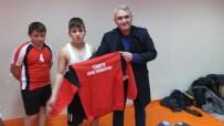GÜREŞ TAKIMI - Burhaniye'de Ataş, Genç Güreşçileri Sevindirdi