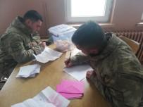 Minik Öğrencilerin Mektupları Mehmetçik'i Duygulandırdı