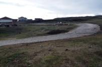 Muhtar Köyün Sokakları Yerine Tarla Yoluna Kilit Parke Taşı Döşetti