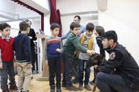 Narkotik Dedektör Köpeği 'Odin' Çocukların İlgi Odağı Oldu