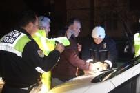 ALKOLLÜ SÜRÜCÜ - Alkollü Ve Ehliyetsiz Sürücü Polisten Kaçamadı