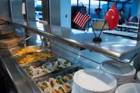 LOS ANGELES - Amerika'da Yaşayan Türklerden Evsizlere Yardım Yemeği