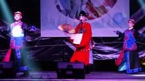 TATARISTAN - Çinli Sanatçılar Marmaris'te Gösteri Sundu