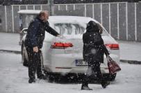 Kars'ta Kar Yağışı Hayatı Olumsuz Etkiliyor