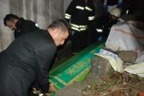 CENAZE ARACI - Minik Efe'nin Cansız Bedeni Yanan Evden Çıkartıldı