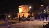 YAT LİMANI - Antalya'da Falezlerden Düşen Kişi Yaralandı