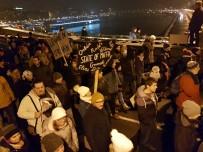 FAZLA MESAİ - Macaristan'da Binlerce Kişi 'Köle Yasası' Karşıtı Gösteri Yaptı