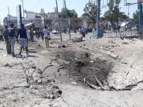 BELEDİYE ÇALIŞANI - Somali'deki Bombalı Saldırılarda 15 Kişi Öldü