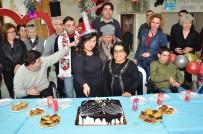 Foça'da Engelli Vatandaşlarla Erken Yeni Yıl Sevinci