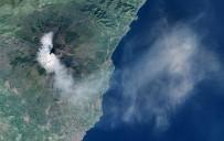 ETNA YANARDAĞI - İtalya'da Etna Yanardağı Yeniden Faaliyete Geçti