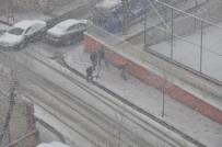 İBRAHIM DEMIR - Siirt'te Kar Yağışı Etkili Oldu
