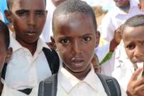 DENİZ FENERİ - Somalili Çocuklar Savaşmak Değil Okumak İstiyor