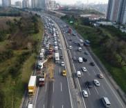 TRAFİK POLİSİ - TEM Otoyolu'nda Yaşanan Kaza Sonrası Oluşan Trafik Havadan Görüntülendi
