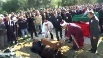 MUSTAFA AKINCI - 55 Yıl Önce Şehit Düştüğü Yere Defnedildi