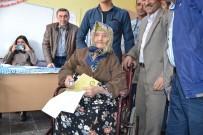 PADIŞAH - Demokrasi Aşığı 114 Yaşındaki Ayşe Karabüber Vefat Etti