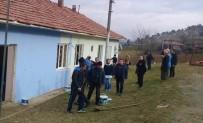 PTT Çalışanları Okul Onardı