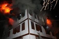 İTFAİYECİLER - Safranbolu'da 170 Yıllık Tarihi Konak Alevlere Teslim Oldu