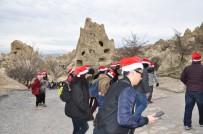 HRISTIYANLıK - Singapurlu Turistler Kapadokya'yı Neol Şapkasıyla Gezdi