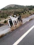 AMANOS DAĞLARI - Tanker Devrildi, Mazot Yola Döküldü