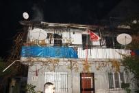 657 - Aydın'daki Yangında Bir Ev Kullanılmaz Hale Geldi