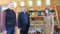 ORGANİK MEYVE - Burhaniye'de Organik Ürünler Yoğun İlgi Gördü