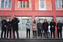 Dereceye Giren Öğrencilere Plaket Verildi