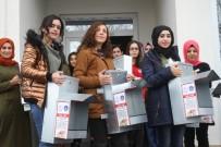KREDI VE YURTLAR KURUMU - Kars'ta KYK Öğrencileri Sokak Hayvanlarını Sahipsiz Bırakmadı
