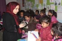 KARATAY ÜNİVERSİTESİ - Konya'da Okuyan Üniversite Öğrencilerinden Köy Okullarına Yardım