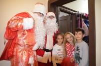 OYUNCAK BEBEK - Noel Baba Marmaris'te Hediye Dağıttı