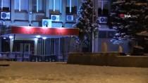 Uşak'ta İzmir-Ankara Karayolu Kar Yağışı Nedeni İle Yer Yer Trafiğe Kapandı