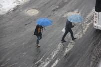 Bingöl'de Kar Yağışı Sevindirdi