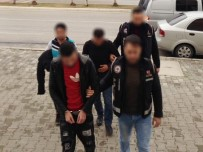 İNSAN KAÇAKÇILIĞI - Çeşme'de Yakalanan Üç İnsan Kaçakçısı Tutuklandı