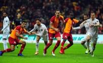 MİLLİ FUTBOLCU - Galatasaray Defansından 12 Gole Katkı