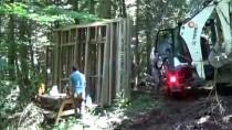 Gölcük Tabiat Parkı'ndaki Kır Evlerinin Yapımı